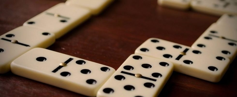 Invest Time And Money In The Best Online Rooms To Play Domino Poker Cidadera